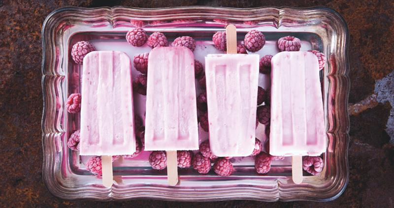 Raspberry cheesecake ice cream sticks